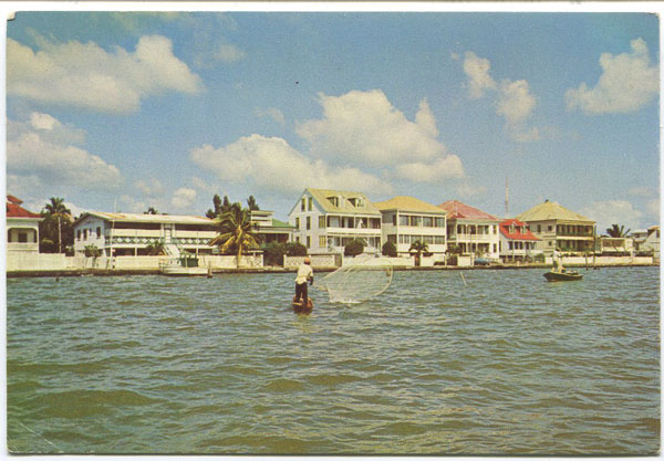 CUBOLA POSTCARDS Belizean fisherman gathering bait for fishing, Belize City - No 21